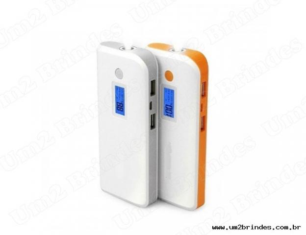 Carregador Portátil Power Bank c/ Visor Digital e 4 Baterias