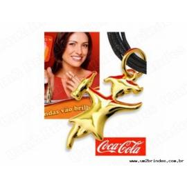 Pingente Mulher Dourada Coca-Cola