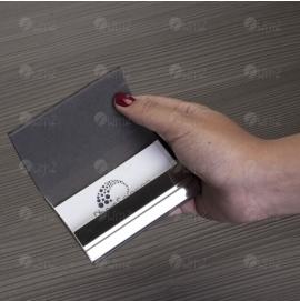 Porta Cartão de Metal com Couro